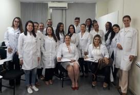 Aula prática   Alunos da especialização de Biomedicina Estética - 4edª vivenciam módulo prático
