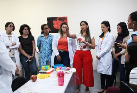 Aula prática   Alunos de Nutrição Materno-infantil, vivenciam módulo prático no laboratório do CCE